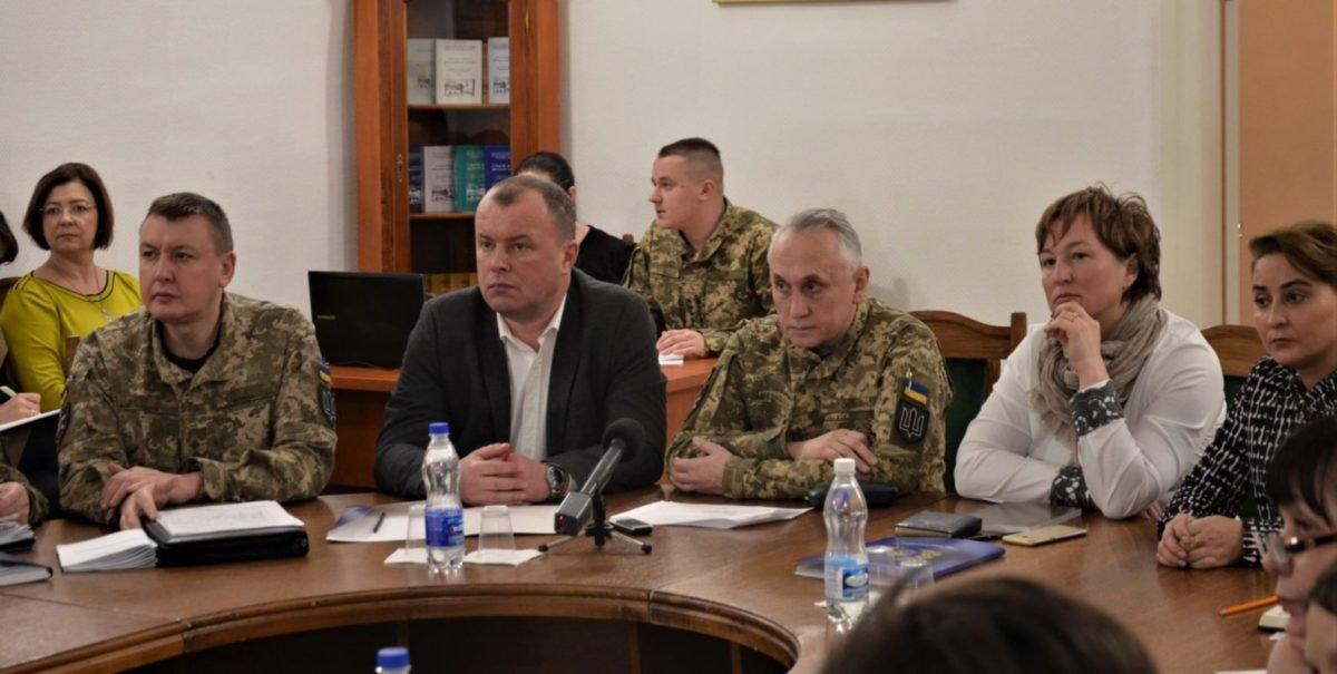 Як поставити заслін розповсюдженню коронавірусу в Україні, обговорювали медики у військовому госпіталі