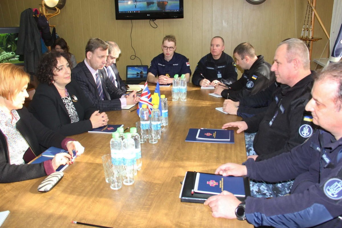 Українські військові моряки та британські дипломати обговорили безпекову ситуацію в Азово-Чорноморському регіоні