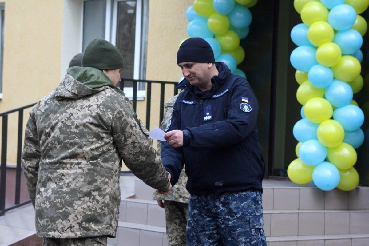У Миколаєві 44 родини військовослужбовців отримали ордери на службове житло