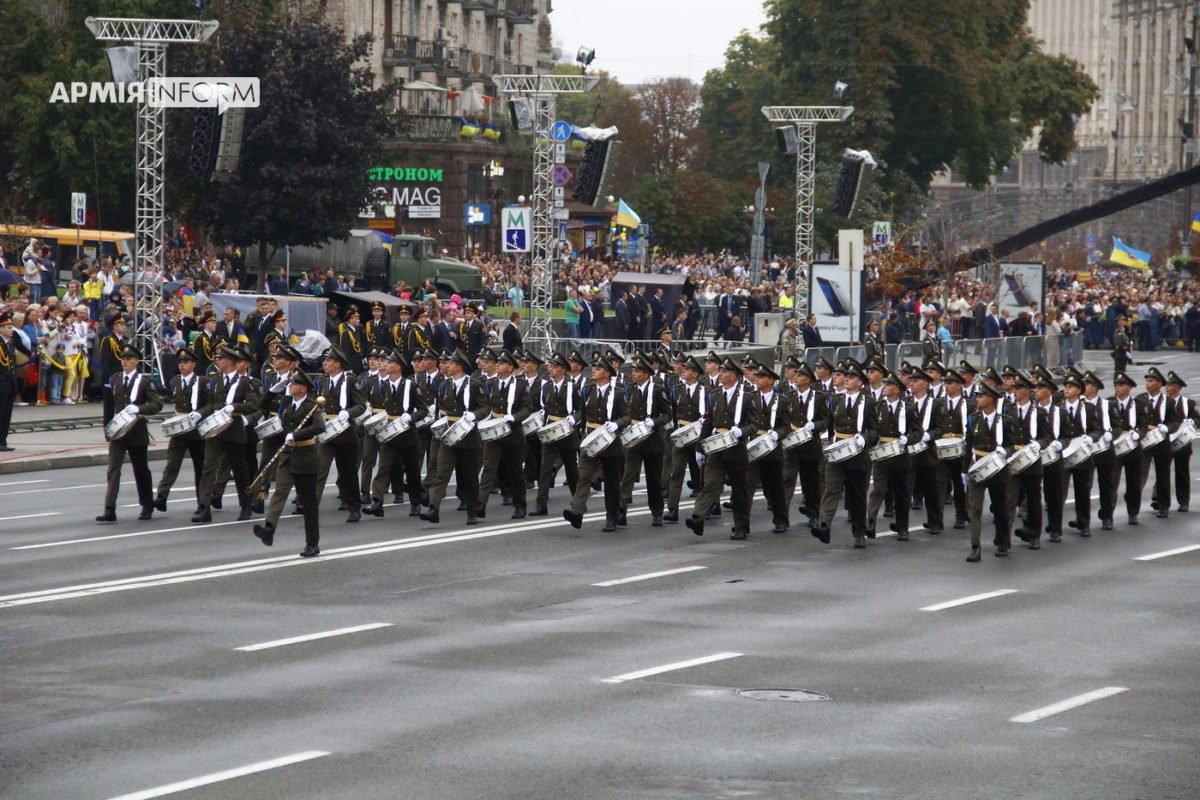 Парламент скасував дію закону «Про Стройовий статут Збройних Сил України»
