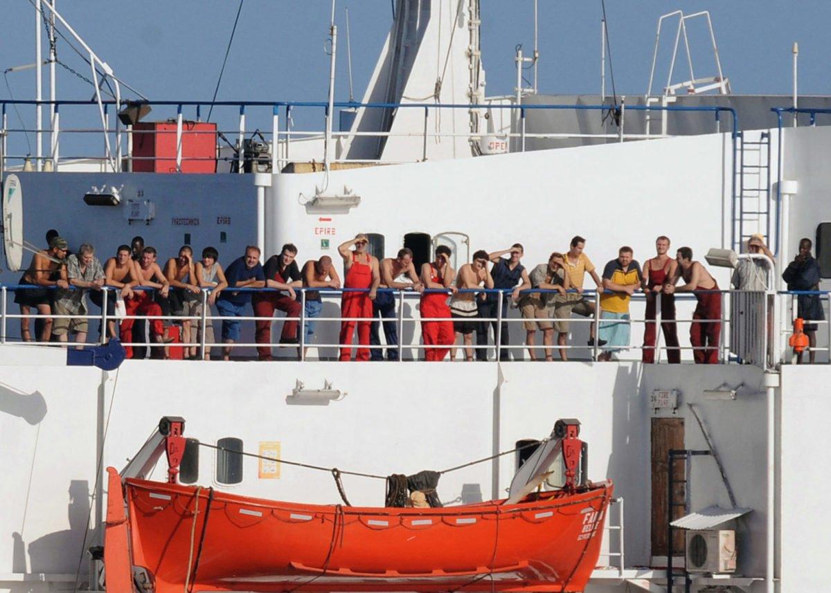 Українське судно Faina проти сомалійських піратів: як це було