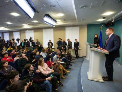 Єрмак продовжить займатися питаннями переговорів із Росією та звільненням полонених