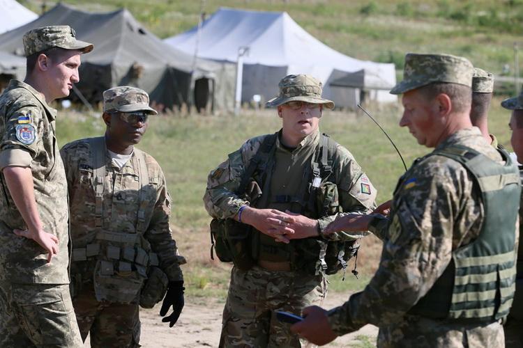У Раді ухвалили закон, що дозволяє допуск в Україну підрозділів іноземних Збройних сил
