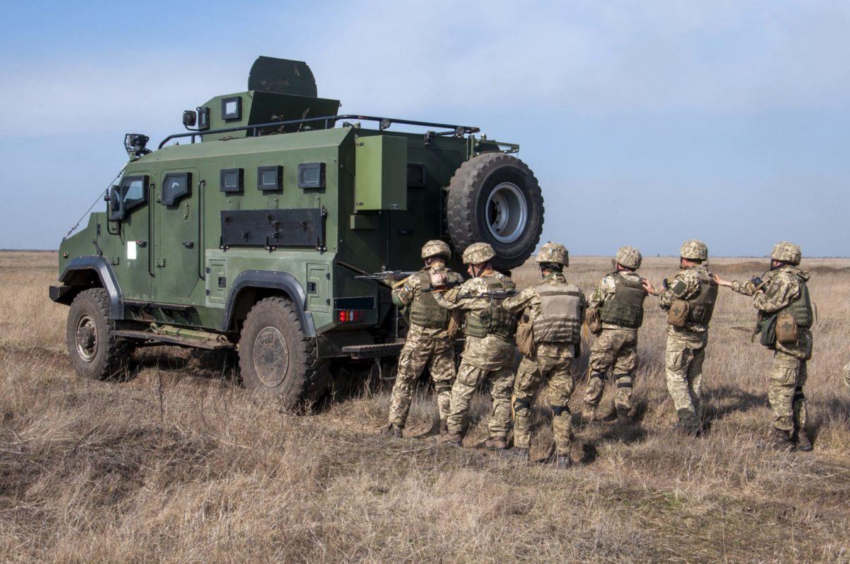 Триває підготовка морських піхотинців за участю канадських інструкторів