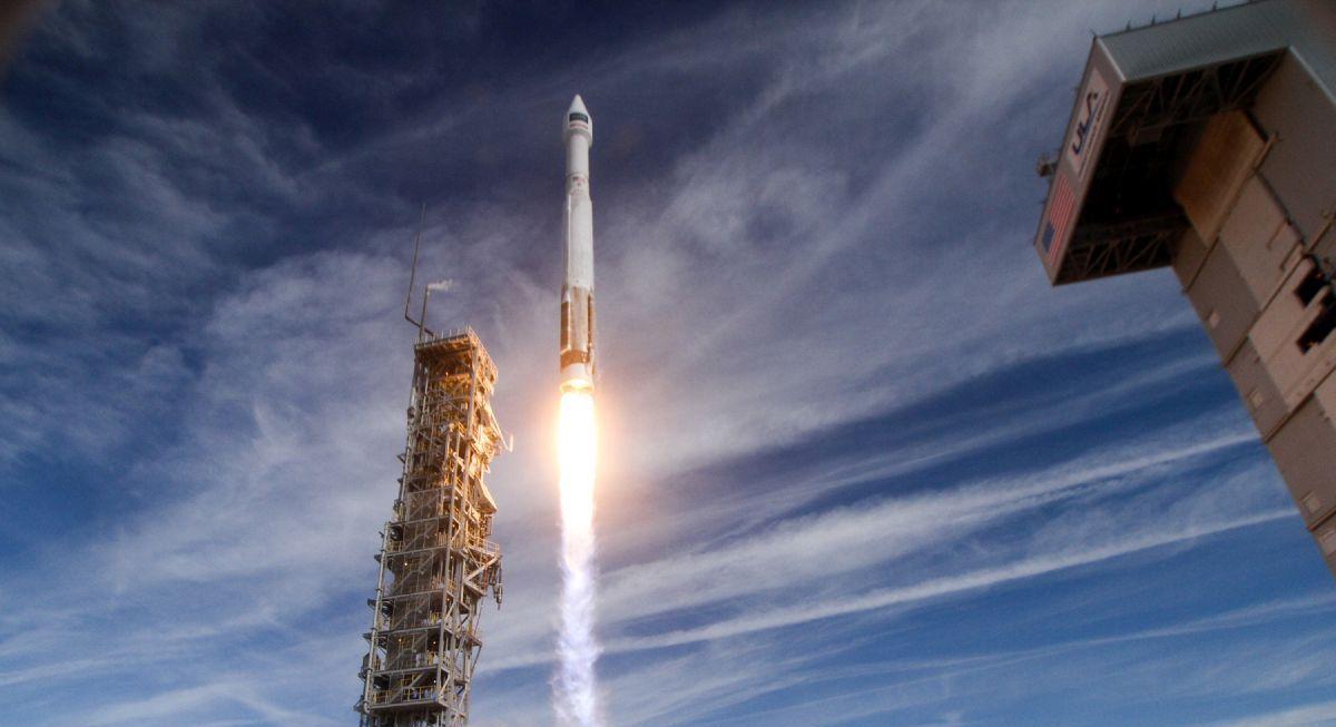 Космічні сили США запустили ракету-носій з військовим супутником зв'язку