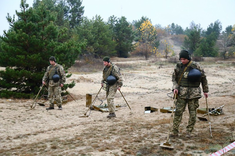 З початку агресії РФ на Донбасі знешкоджено близько 460 тис. вибухонебезпечних предметів