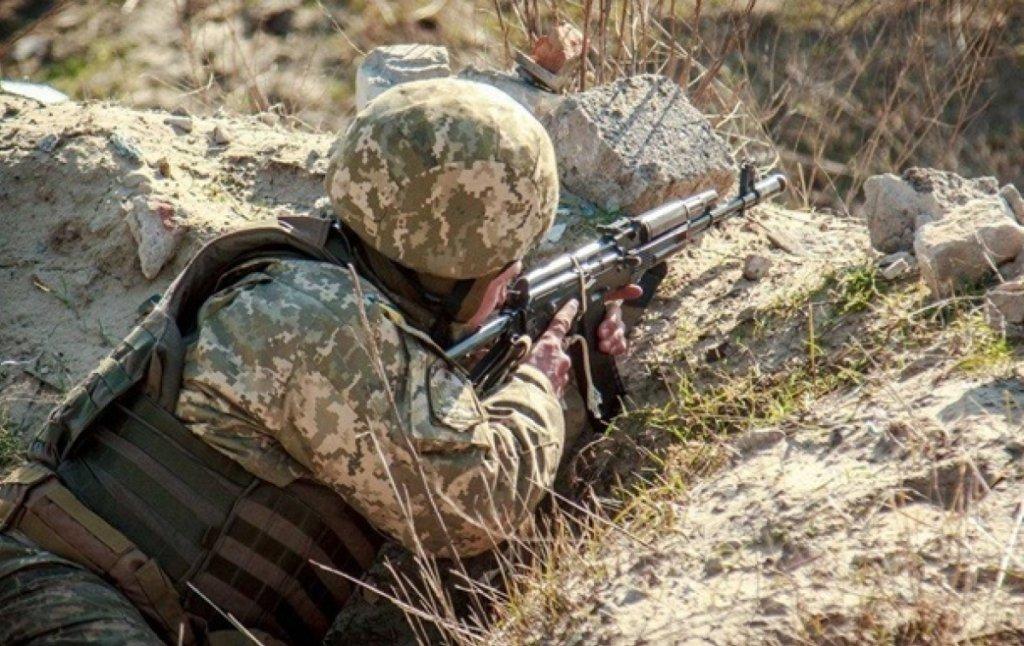 Російсько-окупаційні війська атакували позиції українських захисників на Донецькому напрямку
