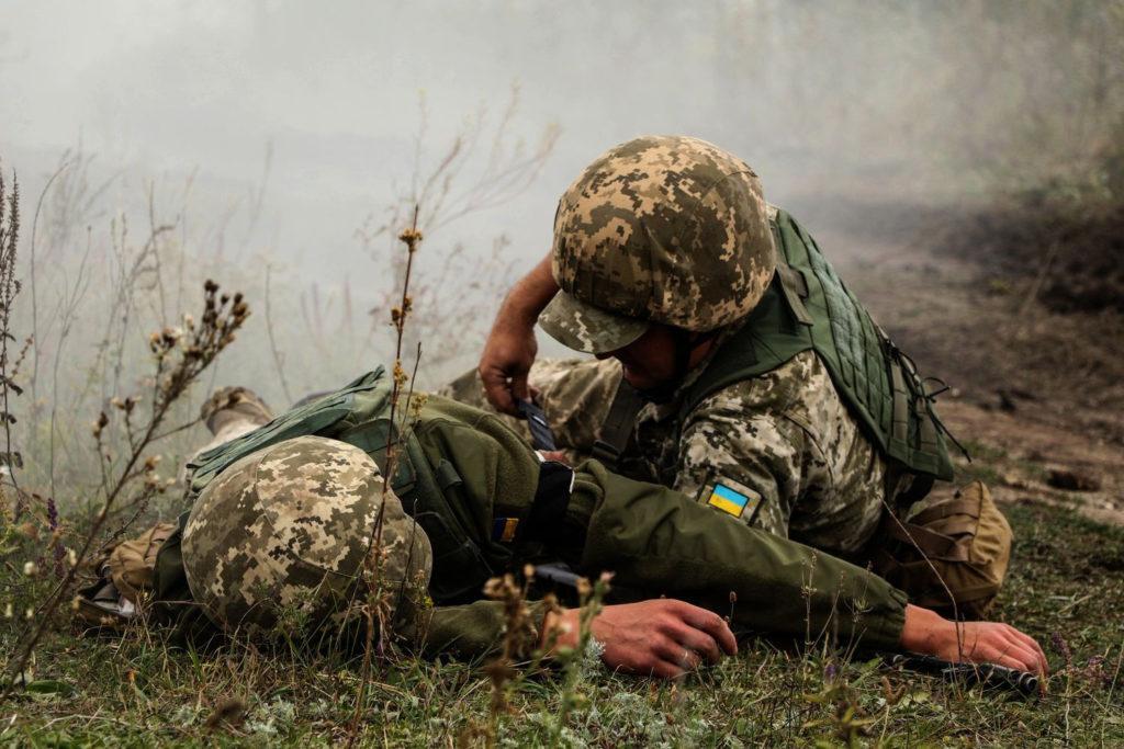 Двоє українських військових зазнали поранень – штаб ООС