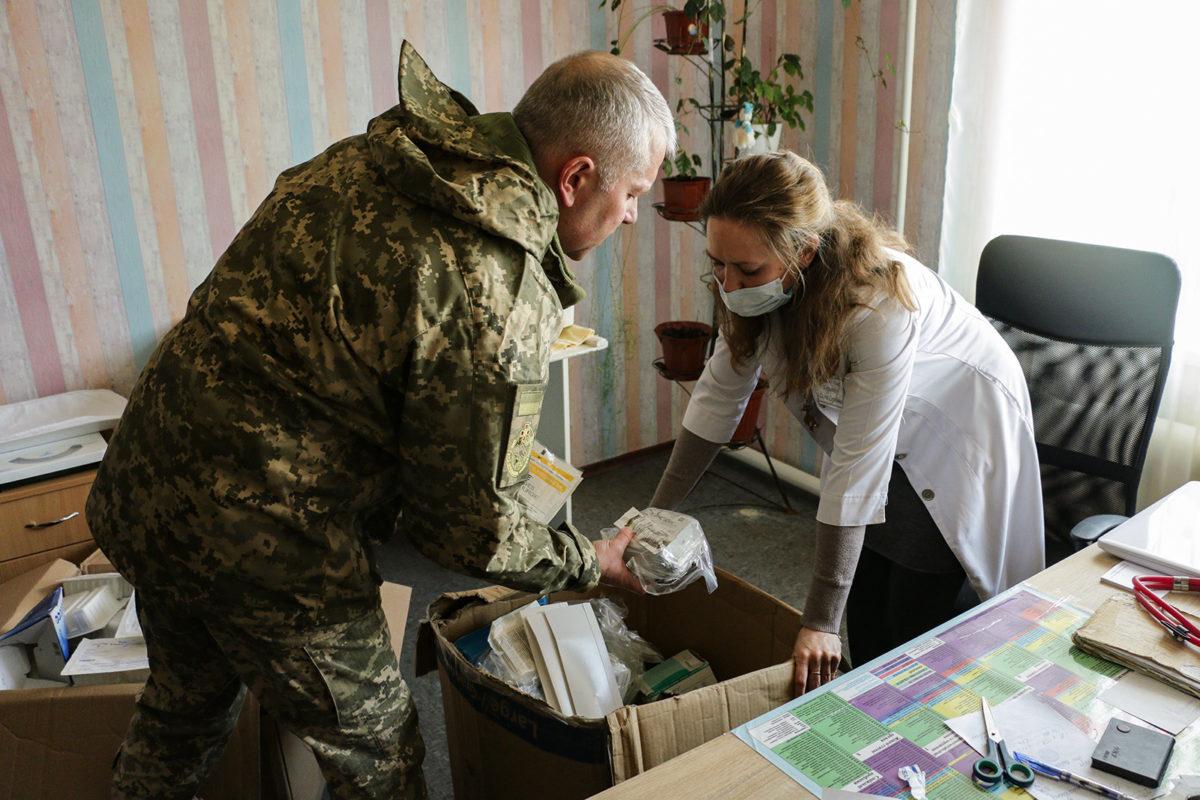 Армія покращує гуманітарну ситуацію на сході України