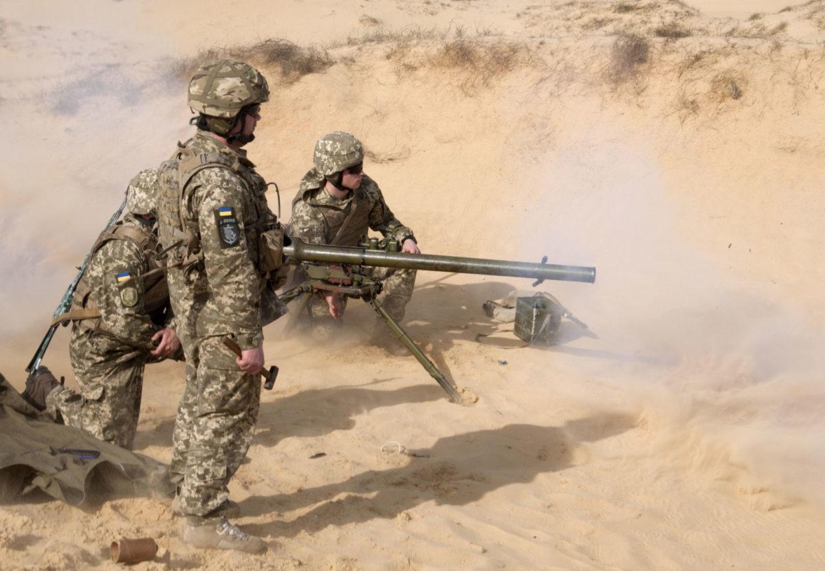 Майбутні лейтенанти морської піхоти в пісках Херсонщини