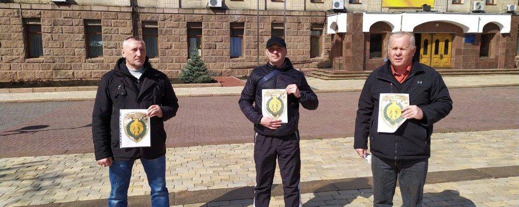 Учасники бойових дій закликають побратимів платити за проїзд