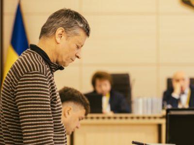 Суд не поновив на службі Олександра Астахова