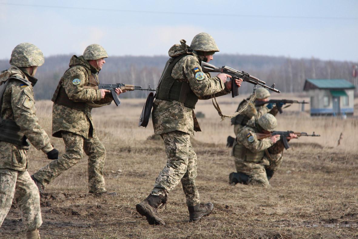 На Львівщині тривають спеціальні курси для офіцерів-резервістів
