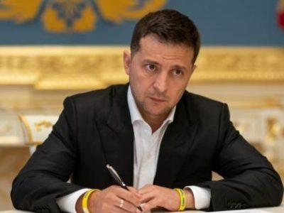Президент доручив виплатити в повному обсязі грошове забезпечення військовим ЗСУ та премію з нагоди Дня захисників і захисниць України