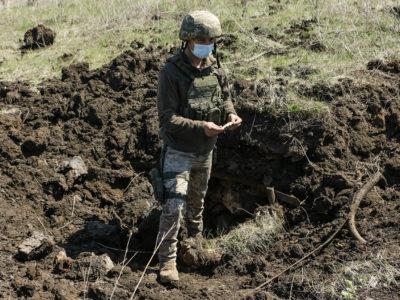 Російська артилерія вдарила по КПВВ «Золоте» із систем калібру 152 мм