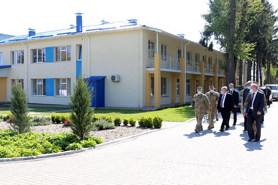 Андрій Таран високо оцінив роботу колективу військового госпіталя у Вінниці щодо розвитку та вдосконалення матеріальної бази
