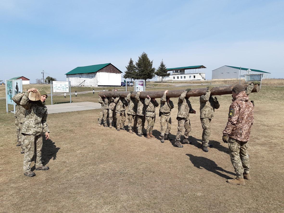Як проста колода військовий колектив гуртує