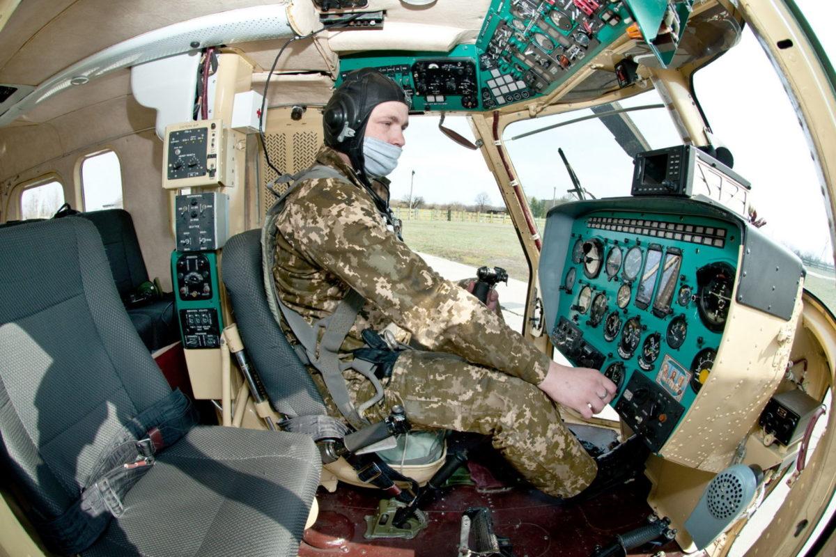 Курсанти-вертолітники виконували польоти у складних метеоумовах