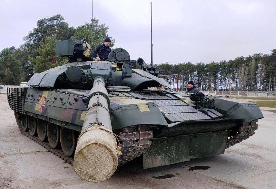 Модернізований Т-72 із системою відеопаркування випробовують на Чернігівщині