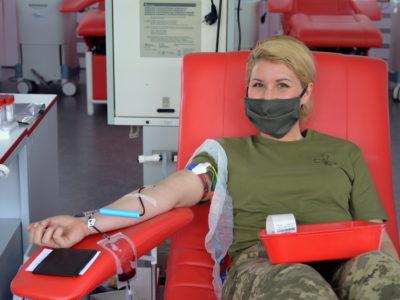 Військовослужбовці продовжують поповнювати банк крові Київського міського центру