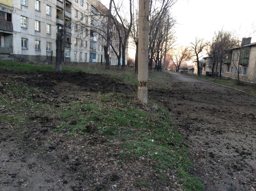 Бойовики обстріляли житловий район у Новотошківському