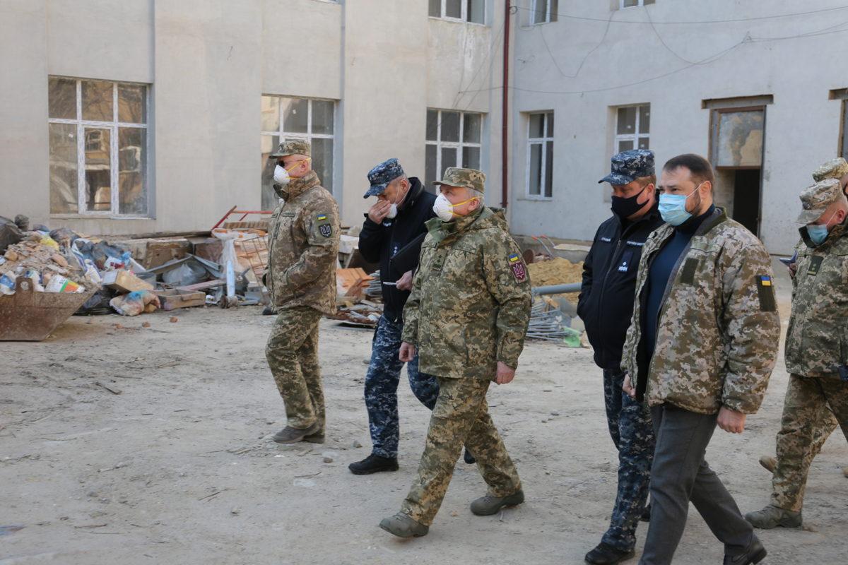 Міністр оборони проінспектував стан будівництва штабу ВМС ЗС України
