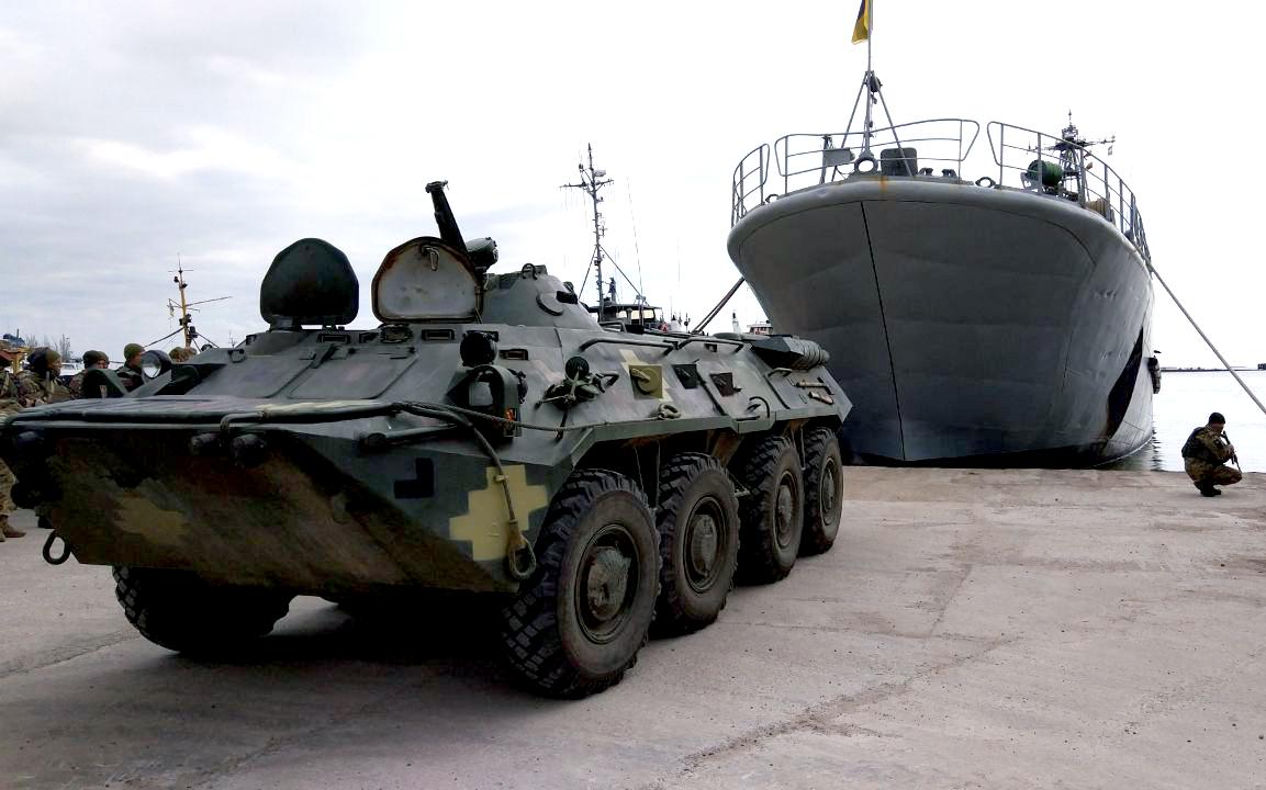 У Миколаєві вперше майбутніх «штормових беретів» тренують на курсі морського піхотинця