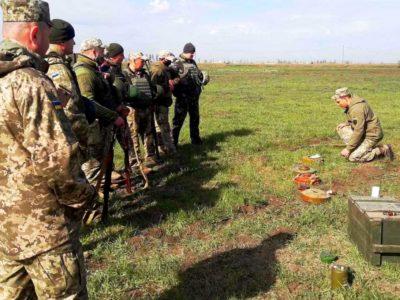 Фахівців Командування Сил підтримки ЗС України навчають маскування підрозділів і розпізнавання мін-пасток