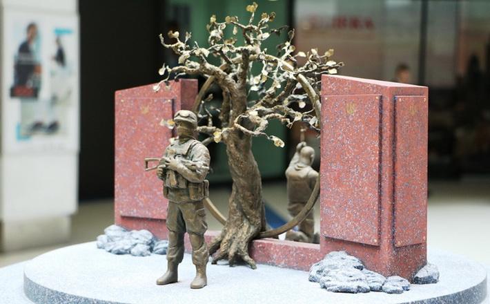 На Черкащині створюють унікальний меморіальний комплекс за ескізом доньки загиблого воїна