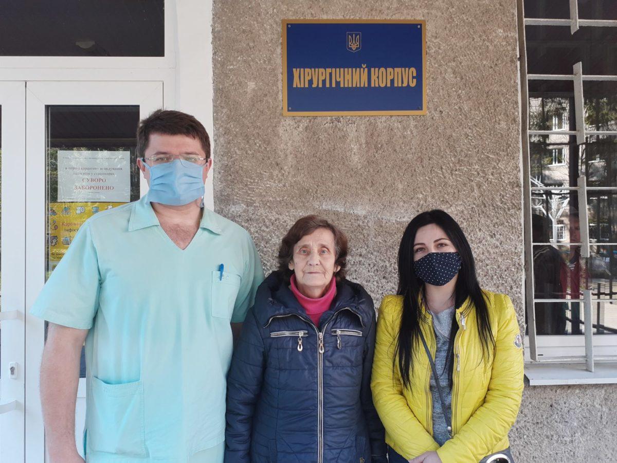 У Львові виписали пацієнтку, якій військові кардіохірурги успішно зробили унікальну операцію на серці