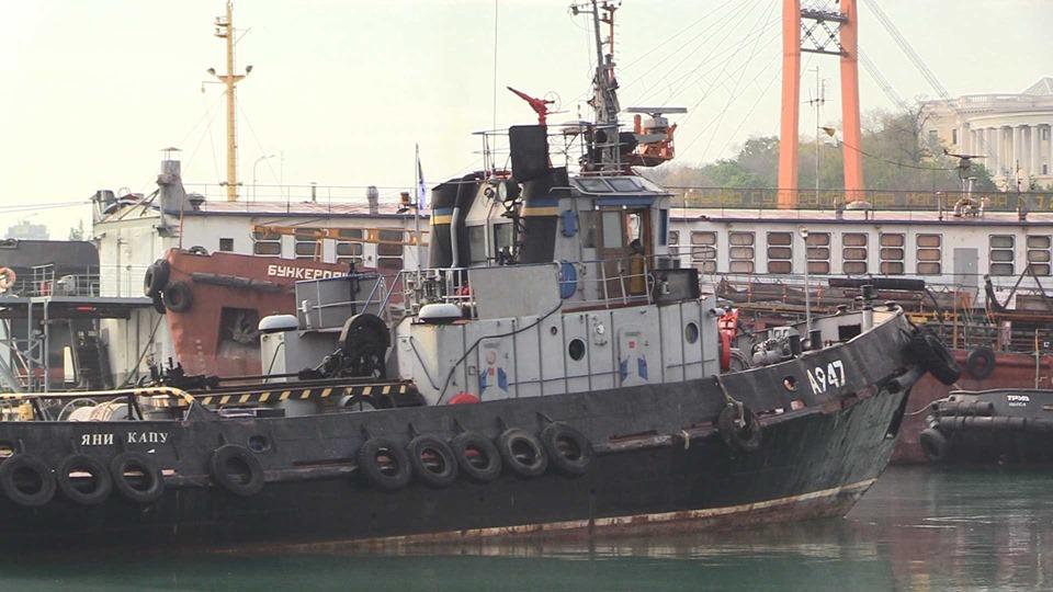 Буксир «Яни Капу», який пошкодили росіяни, повернувся до Одеси після часткового ремонту