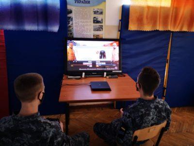 У флотському виші під час карантину відбуваються віртуальні матчі з футболу та єдиноборств
