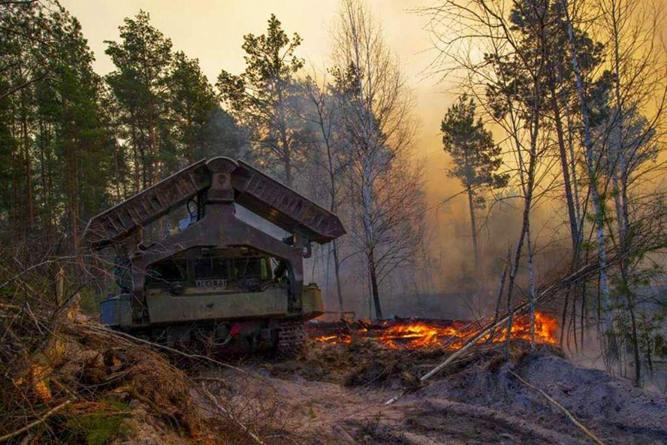 Військові, які ліквідовували масштабні пожежі, отримали премії від командувача Сил підтримки