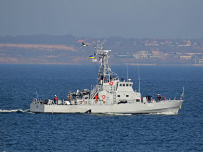 В акваторії Чорного моря патрульний катер «Старобільськ» виконав бойові вправи стрільб по морських, берегових та повітряних цілях