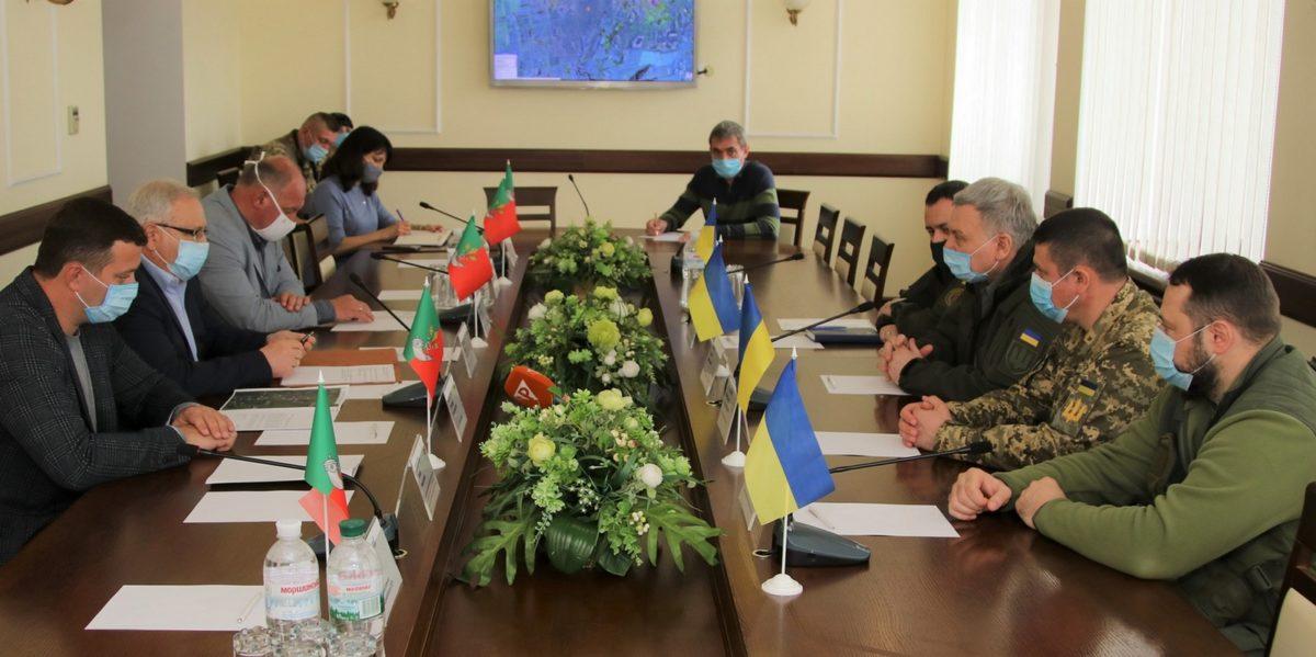 Міністр оборони Андрій Таран ознайомився з умовами служби криворізьких танкістів