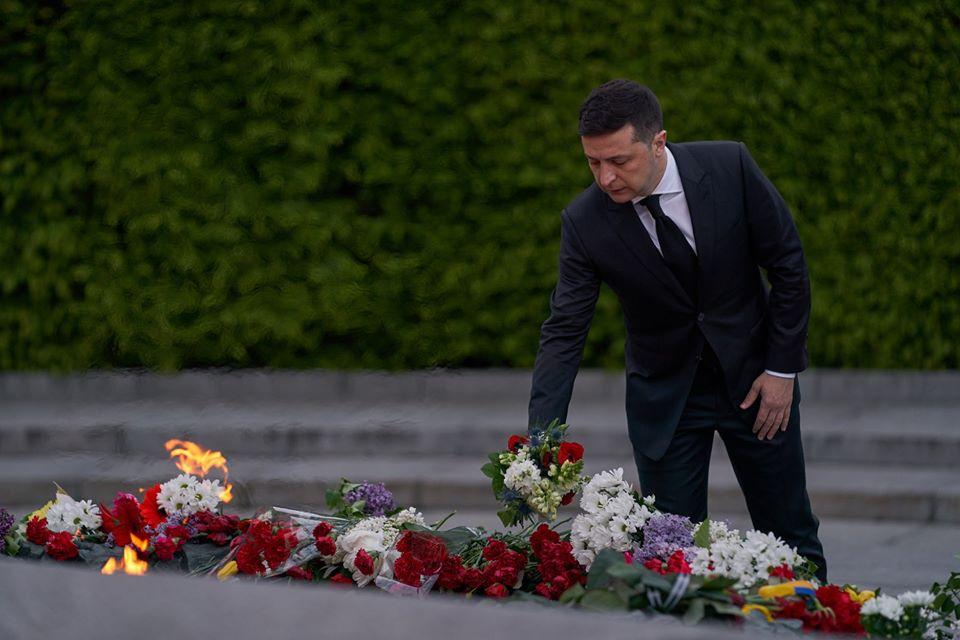 Президент ушанував пам'ять загиблих у Другій світовій війні