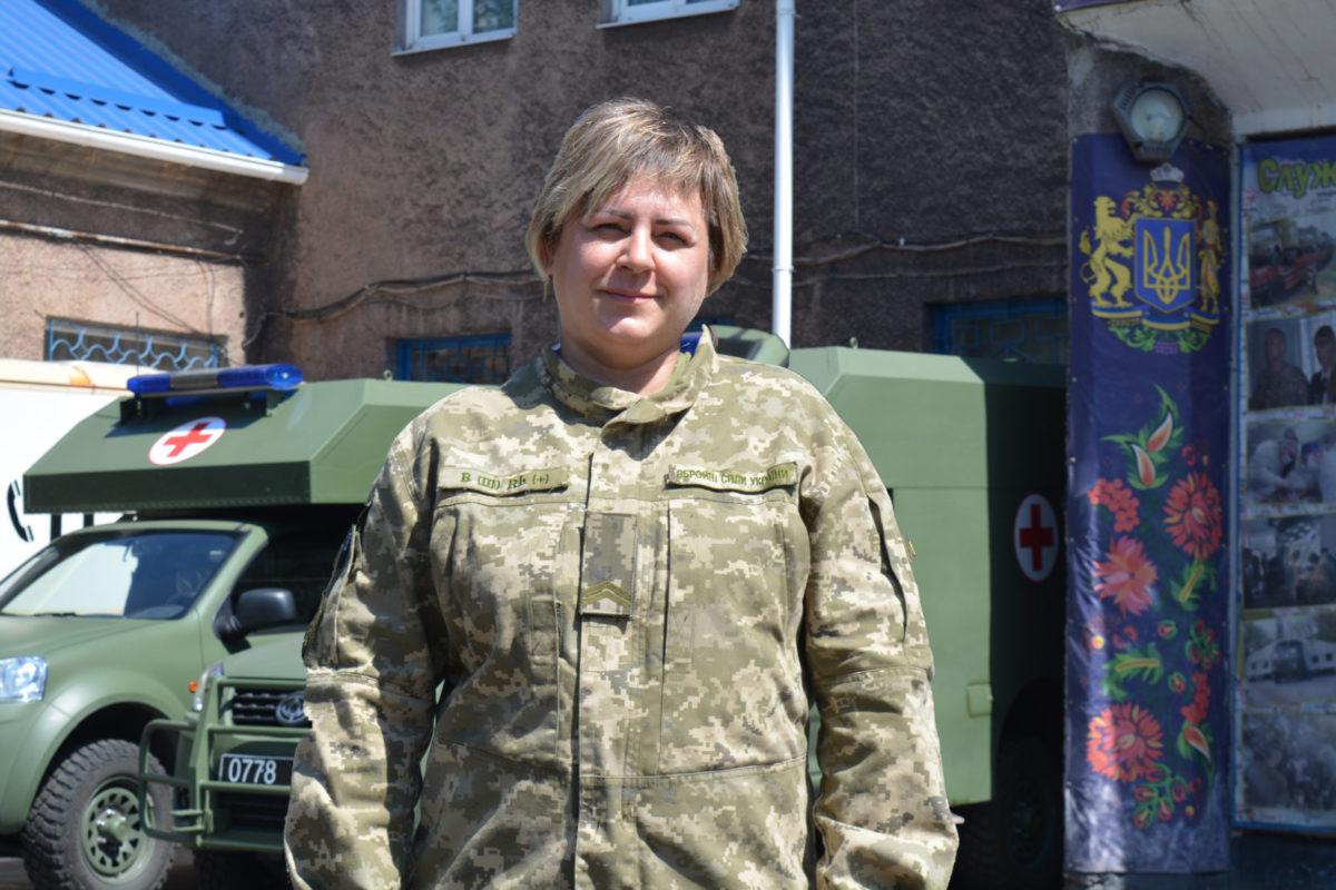 Молодший сержант Ольга Ващенко: «Коли важкий пацієнт виходить із лікарні на своїх двох – радієш, як за рідну людину, і забуваєш про втому…»
