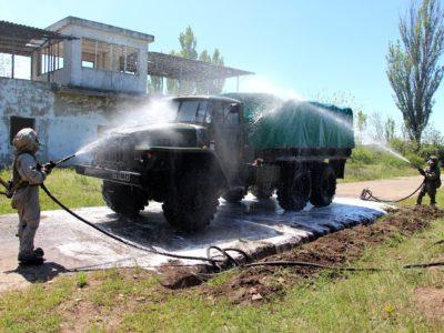 На Одещині військові моряки здійснили спеціальну обробку озброєння та військової техніки, що надходили з імовірної зони забруднення