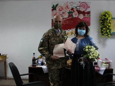 Поранений на Донбасі воїн одружився у військовому госпіталі