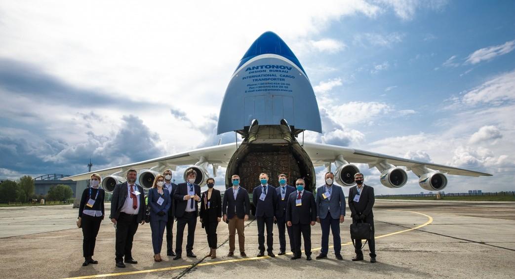 Літак «Мрія» доставив в Україну понад 111 тонн медичного вантажу для лікарень