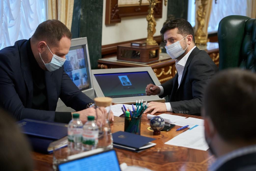 Президент особисто перевірятиме виплату грошових надбавок лікарям