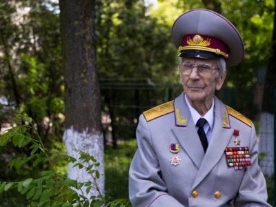 Фронтова газета його поховала… Але Іван Каліберда вижив. Незабаром ветеран відзначатиме своє сторіччя!