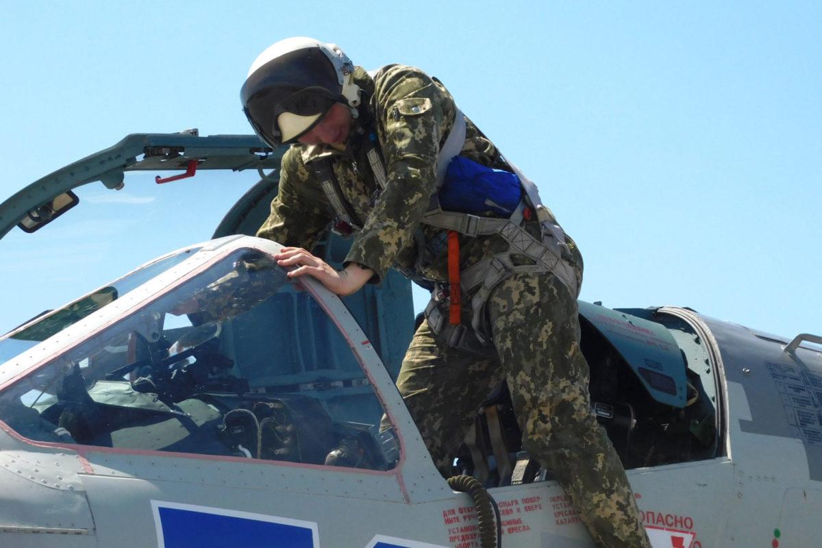 Усі п'ятикурсники ХНУПСу вже самостійно літають на бойових літаках