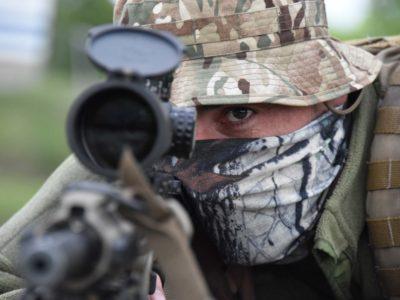 «Якби я їхав на війну як лікар – то рятував би життя… А я снайпер, із патроном-квитком у один бік, для ворога…»