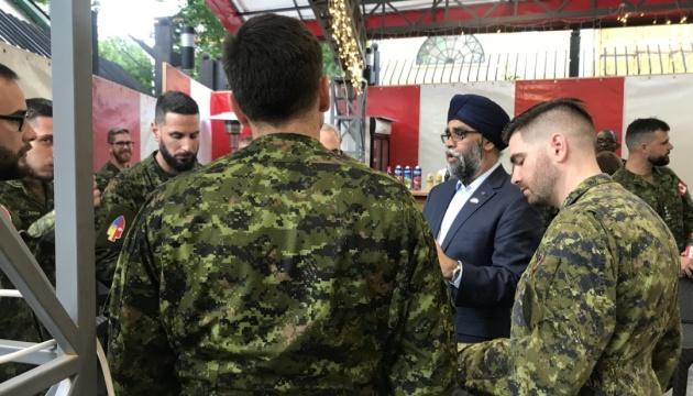 Міністр оборони Канади вітає зближення України й НАТО