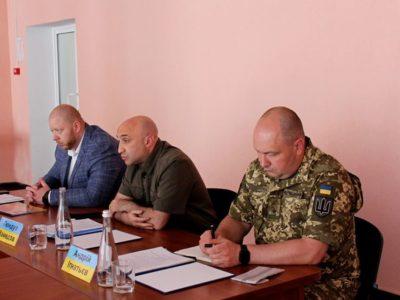 НаЛуганщині представники Моніторингової місії ООН, МКЧХ таправозахисники обговорили питання додержання прав людини вумовах війни