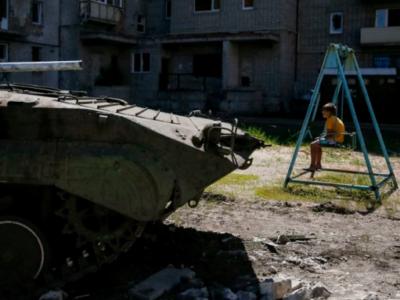 Ціле покоління українських дітей на Донбасі росте під вибухи снарядів – Офіс Президента