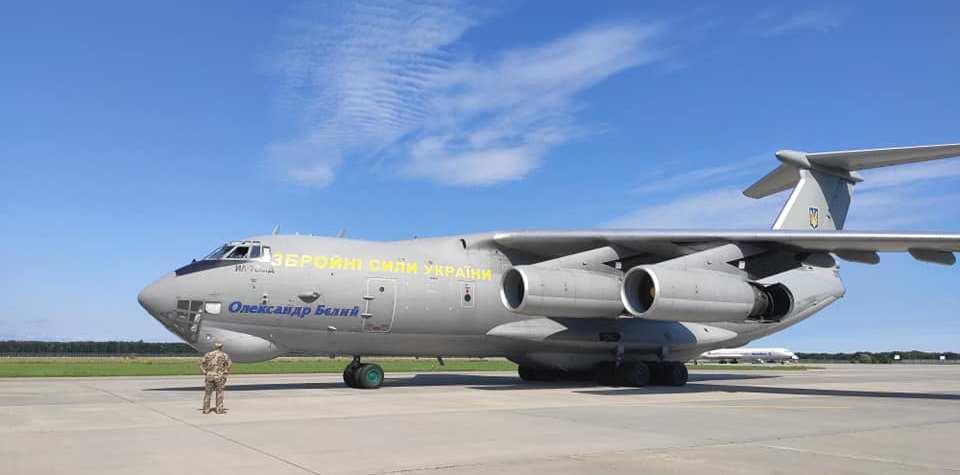 Літак Іл-76 Повітряних Сил ЗС України доставив з Китаю черговий гуманітарний медвантаж