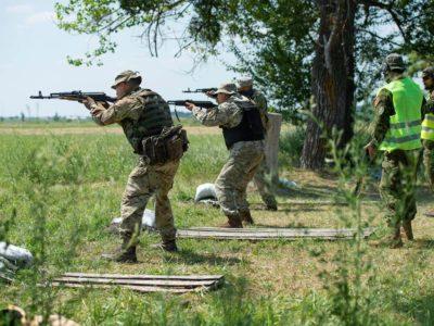 З 2015 року канадські інструктори провели підготовку понад 18 000 українських військових із різних силових структур