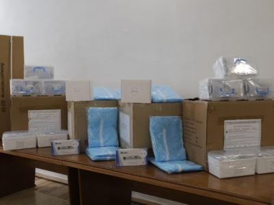 5000 захисних масок, 500 одноразових захисних костюмів, 100 пульсоксиметрів  отримали військові медики за програмою «Польська допомога»